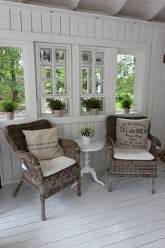 Summer house Estilo Country, Sunroom Decorating, Cottage Interiors, Glass House, Home Decor Inspiration, Home Interior Design, Decoration, House Design, House Styles