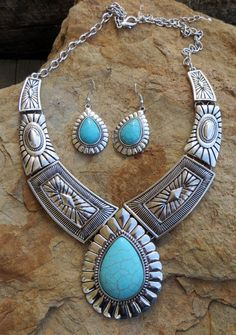 COWGIRL Bling Southwest Turquoise Stamped Silver tone Western Gypsy NECKLACE SET #as
