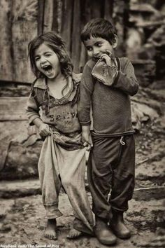 Kids, children, cute, portrait, photo b/w Beautiful Children, Beautiful People, Beautiful Smile, Jolie Photo, People Of The World, Little People, People In Love, Black And White Photography, Cute Kids