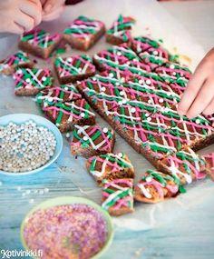 Ei mokkapa...vaan piparkakkupalat! Pehmeissä piparkakkupaloissa maistuu joulu.