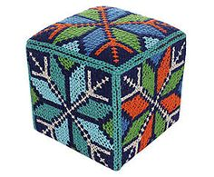 42 best pouf in wool images on pinterest trapillo for Dalani pouf