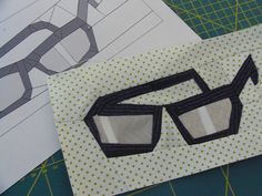 Paper piecing pattern, would make a cute glasses case or pencil pouch.
