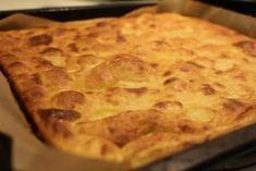 Gluteeniton pannukakku - Teen reseptin muuten sammalla tavalla, mutta laitan 5 munaa, raejuustoa 200-400g, maun mukaan kardemummaa, 1dl gluteenittomia jauhoja, 2dl gluteenittomia kaurahiutaleita, 1dl perunakuitua, n. 2rkl intiaanisokeria ja lopuksi sauvasekottimella sekaisin sileäksi tahnaksi. Gluten Free Baking, Gluten Free Recipes, Low Carb Recipes, No Bake Desserts, Free Food, Sweet Tooth, Food And Drink, Pie, Sweets