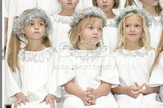 Fichies Gr R Kerskonsert Girls Dresses, Flower Girl Dresses, Ruffle Blouse, Wedding Dresses, Tops, Women, Fashion, Dresses Of Girls, Bride Dresses