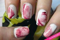 Uñas para halloween de huellas con sangre. #Halloween #Huellas #Uñas #Sangre #Blood #Nails #NailsArt
