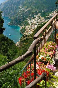 Costa Amalfitana, Itália pela manhã viagem
