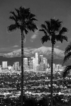 Be like a local in Los Angeles & explore it like never before using TripHobo Trip Planner. What to visit in Los Angeles? Find information about a lot of interesting places, that you should visit on the USA on Places To Travel, Places To See, Travel Destinations, San Diego, Torre Eiffel Paris, Pacific Coast Highway, Downtown Los Angeles, Los Angeles Skyline, Visit Los Angeles