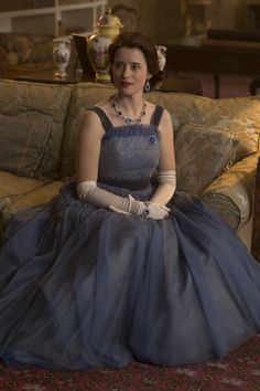 Elizabeth II - Claire Foy in 'The Crown' Season set between 1956 and 1964 (Netflix series). Elizabeth Ii, The Crown Elizabeth, The Crown Season 2, The Crown 2016, Jfk And Jackie Kennedy, Crown Tv, The Crown Series, Crown Netflix, Crown Aesthetic