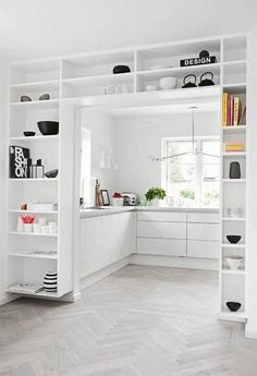 : I love how these shelves fit together so perfectly in this minimalist room . Hallway ideas I love how these shelves blend together so perfectly in this minimalist room I love how these shelv fit hallway homedecorcrafts homedecorikea homedecorwoo Home, Small Spaces, Built In Shelves, House Design, Sweet Home, Minimalist Room, Interior, House Interior, Home Deco