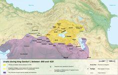 """Devletin başkenti Doğu Anadolu'da Van Gölü'nün doğu kıyısında yer almaktaydı; daha geç dönemlerdeki adı 'Tosp', Urartucadaki """"Tuşpa"""" adının Ermeniceleşmiş halidir. Van Gölü'nden 1625 metre yüksekte olup Urmiye Gölü'nden 336 metre daha yukarıda yer almaktadır. 3400 ve 5000 km²'yi bulan alanlarıyla her iki göl de Anadolu-İran bölgesinin en büyük gölleridir. """"Deniz"""" olarak da değerlendirilirler."""