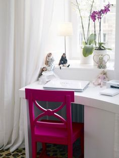 Make Every Room in Your Home Stand Out! Add pops of bright color to your home design and make every room in your home stand out. Check out these cool room decorating ideas for some inspiration! Home Office Chairs, Home Office Space, Office Decor, Desk Space, Office Nook, Desk Office, Pink Accent Chair, Purple Chair, White Desks