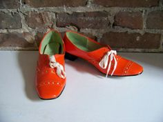Mod Mid-century Orange Shoes, New Old Stock from the Swinging 60s!