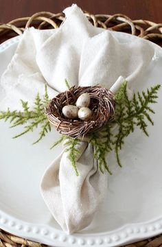 How to make Bird's Nest Napkin Rings for your spring and Easter tablescape
