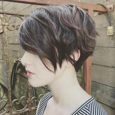 Angled Pixie with Layers #ShortHairStyles