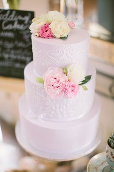 pastel purple cake, photo by J.Bird Photography http://ruffledblog.com/austin-le-san-michele-wedding #weddingcake #cakes