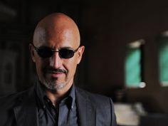 Oleg Yasikov es el jefe de la Mafia rusa, un hombre poderoso que protegerá a la Mexicana.