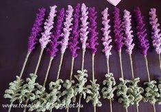FONAL ANYUK: Horgolt levendula Love Crochet, Crochet Flowers, Handmade Flowers, Plant Hanger, Macrame, Cactus, Crochet Necklace, Hair Accessories, Textiles
