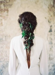 This long, dark messy braid is so pretty! We might add a few colored flowers. A moody winter wedding inspiration shoot filled with candlelight and exquisite black and gold details Bridal Hair And Makeup, Bridal Beauty, Hair Makeup, Wedding Hair Clips, Wedding Hair Flowers, Wedding Updo, Winter Wedding Inspiration, Hair Inspiration, Pantone