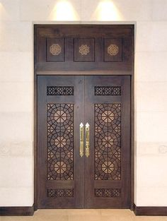 A door inside King Hussein Mosque in Amman, Jordan, designed by Khaled Azzam. A door inside King Hussein Mosque in Amman, Jordan, designed by Khaled Azzam. Main Entrance Door Design, Front Door Design, Entrance Doors, Custom Wood Doors, Wooden Doors, Slab Doors, Wooden Windows, Rustic Doors, Door Design Interior