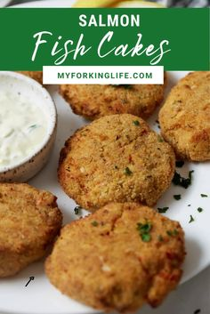 These cakes are so easy to make, and incredibly flavorful. They are crispy on the outside, and super tender on the inside. They make the perfect appetizer or snack. Salmon Fish Cakes, Fried Salmon, Appetizer Recipes, Snack Recipes, Snacks, Appetizers, Amazing Food Videos, Buzzfeed Food Videos, Air Frier Recipes