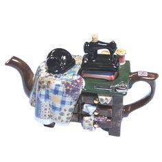 Quiltmaker - Cat on Quit - Full Size Cat Teapot £64.99