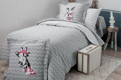 Parure de lit enfant / adoBUNNY - motifs imprimés girafe et lapin - TRADILINGE Comforters, Blanket, Furniture, Home Decor, Print Patterns, Bedding, Rabbits, Child Room, Creature Comforts