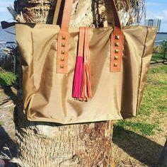 Carteras carteras de moda y carteras de cuero para mujeres - Fashion handbags #bags #bag #moda #clutch #outfit Visita: PLUMSHOPONLINE.COM - NUEVA  Cartera de cuero y nylon Naria - Mírala más en la tienda online: http://ift.tt/2ood1H0