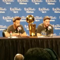 Splash Brothers with the golden trophy! Congrats Warriors