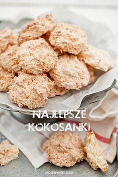 Moje Wypieki | Kokosanki (przepis II) Dessert Cake Recipes, Sweets Cake, Cookie Recipes, Gluten Free Christmas Cookies, Gluten Free Cookies, 18th Cake, Polish Recipes, Polish Food, Sans Gluten