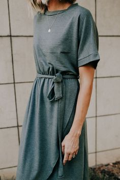Savon Wrap Dress Monday Mornings with mandi gardiner Modest Dresses, Modest Outfits, Modest Fashion, Fashion Outfits, Womens Fashion, Dress Fashion, Grey Dresses, Fashion 2018, Simple Dresses
