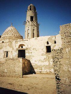 Ayyubid Minaret/Qasr Dakhla, Dakhla Oasis, Egypt.
