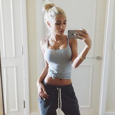 Princess Pia Mia @princesspiamia Instagram photo • Yooying