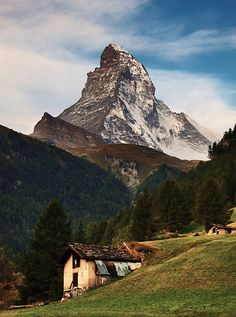Matterhorn Switzerland Alps  Source: Flickr / siejones