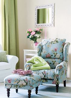 6e8a01bc8f596c5549ceac4d165ac36b--overstuffed-chairs-vintage-shabby-chic.jpg
