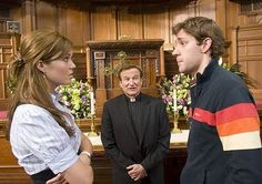 Robin Williams, Mandy Moore, and John Krasinski in License to Wed Pre Marriage Counseling, Premarital Counseling, Marriage Advice, School Counseling, Christine Taylor, John Krasinski, Robin Williams, Mandy Moore Hair, Dentist Near Me