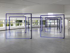Felice Varini, jusqu'au 13 septembre 2015 au parc de la Villette © André Morin