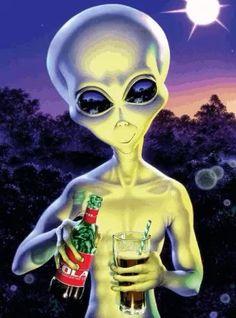 Aliens On The Moon, Aliens And Ufos, Ancient Aliens, Aliens History, Alien Drawings, Art Drawings, Trippy Alien, Alien Videos, Arte Grunge