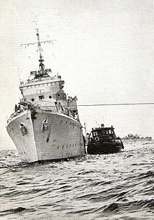 War in Africa – Suez Crisis 1956 Navy Air Force, History Online, Tug Boats, Yellow Submarine, Forever, Royal Navy, Soviet Union, United Nations, Cold War