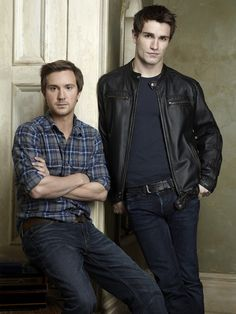 Sam Huntington and Sam Witwer    Now this is a sexy vamp & werewolf!