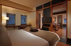 Art Deco suites junior suite. Quiet intimacy in Miami Beach at The Setai Hotel. By Hotelied.