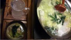 焼酎の水割りを頼んだら、小さいジョッキで出てきました!あつあつの水餃子とともに。【むんつんさん】