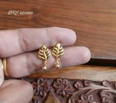 New Light Weight Daily Wear Gold Earrings Designs - Kurti Blouse Gold Jhumka Earrings, Jewelry Design Earrings, Gold Earrings Designs, Designer Earrings, Small Earrings, Sterling Silver Earrings Studs, Jewelry Accessories, Women Jewelry, Gold Ring Designs