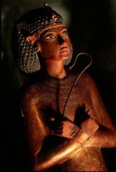 Shabti from Pharaoh Tutankhamun's tomb, 18th Dynasty,1333 B.C. New Kingdom, Egyptian Museum-Cairo.