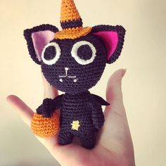 Patron gratuit en fran�ais / Amigurumi. Nyanpire / Cat / crochet #amigurumi #crochet #pattern #diy #nyanpire #cat #chat #vampire #halloween Cat Crochet, Crochet Hats, Crochet Amigurumi, Crochet Pattern, Gender Reveal Gifts, Rainbow Crochet, Handmade Baby Gifts, Newborn Baby Gifts, Whimsical Art