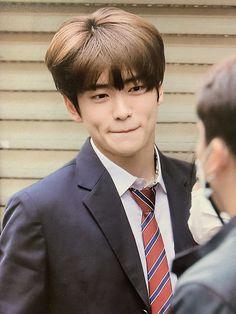 Nct 127, Nct Doyoung, Jung Yoon, Valentines For Boys, Jung Jaehyun, Jaehyun Nct, Taeyong, Boyfriend Material, K Idols