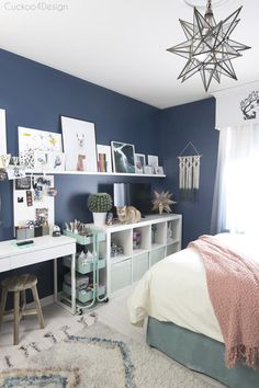 art and crafting area in pre-teen or teenage room Bedroom makeover Cheap ways to decorate a teenage girl's bedroom Blue Girls Rooms, Blue Teen Girl Bedroom, Teen Girl Bedding, Teenage Girl Bedrooms, Small Teenage Bedroom, Preteen Girls Rooms, Preteen Bedroom, Teenage Girl Room Decor, Girls Room Desk