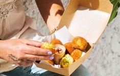 Φαβολουκουμάδες με ντιπ ντομάτας και κάππαρης - Συνταγές - Σνακς & street food | γαστρονόμος Street Food, Cooking, Sweater Jacket, Kitchen, Brewing, Cuisine, Cook