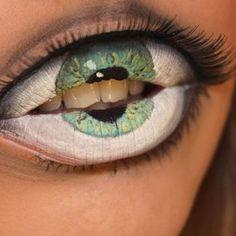 Creepy Lip Makeup by Sandra Holmbom