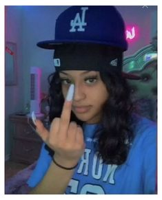 Gangsta Girl, Swag Girl Style, Girl Swag, Badass Aesthetic, Black Girl Aesthetic, Streetwear Hats, Streetwear Fashion, Swag Outfits, Girl Outfits