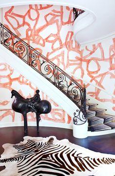 Rice Paper, Silkscreen, or Custom? Kelly Wearstler Spills the A-Z of Wallpaper Modern Staircase, Staircase Design, Staircase Ideas, Spiral Staircases, Kelly Wearstler Wallpaper, Patterned Stair Carpet, Modern Victorian Homes, Victorian Design, Victorian Bedroom